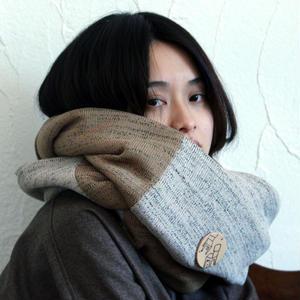 炬燵薫るニットスヌード / karasi