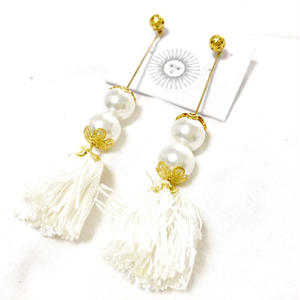 Perl & tassel pierce