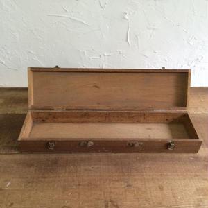 鍵が壊れてる家庭用大工道具用の木箱