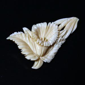 泉舟 作 鯨歯ブローチ カトレア