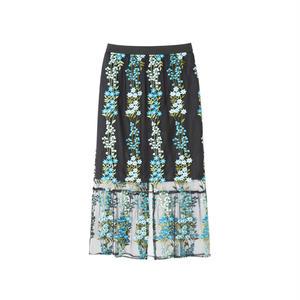 006133 / 総刺繍スカート
