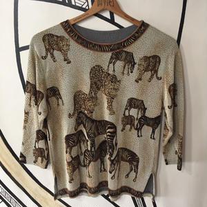 【ド派手】バブリー レオパード アニマル デザイン ロングTシャツ