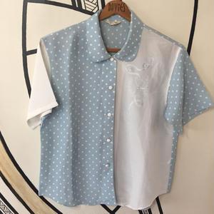 【個性的】レトロ パステル ブルー DOT 刺繍 デザイン 柄シャツ