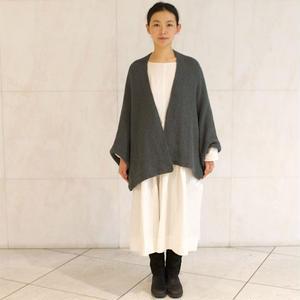 【受注開始まで暫くお待ち下さい】編み図と糸のセット:mYak 100% baby yak wool『Medium(DK)』ケープカーディガンKIT