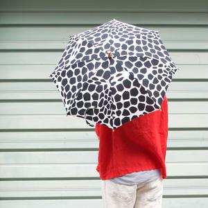 【先行販売(ご予約)】傳(ツタエノヒガサ)浜松注染 日傘/ 3段階折り畳みタイプ「キリン黒白」 「キリン茶黒」
