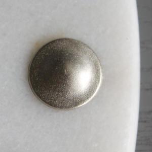 丸形シンプルなメタルボタン 1穴17mm マット シルバー フランス現代ボタン