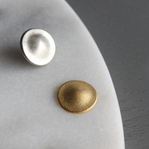 丸形シンプルなメタルボタン 1穴17mm マット ゴールド  フランス現代ボタン