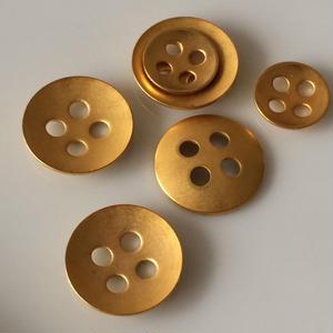 マットゴールド4穴メタルボタン 大11mm フランス現代ボタン