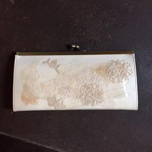 【限定一点】Lilaf アンティークレースのがま口財布3