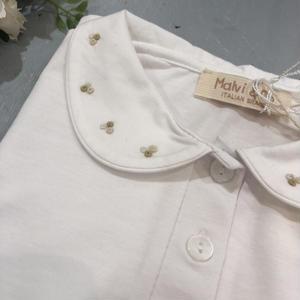 【Malvi & Co】襟刺繍カットソー ベージュトーン刺繍