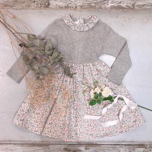【crochette】フリル襟付き ニット×フラワープリントワンピース グレー