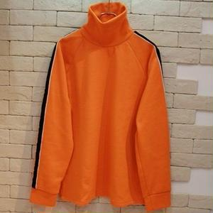 SLEEVE LINE TURTLENECK SWEAT -NN- ORANGE