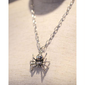 CHAIN NECKLACE SPIDER