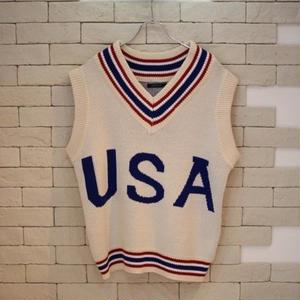 OVERSIZED V NECK USA KNIT VEST