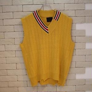OVERSIZED V NECK KNIT VEST