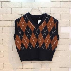 CROPPED ARGYLR KNIT VEST