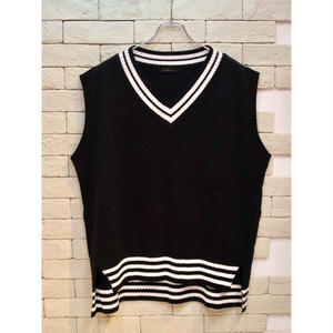 OVER SIZED V NECK KNIT VEST BLACK
