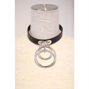 FAUX LEATHER CHOKER BIG RING