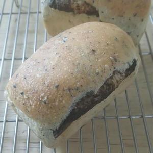 0561-豆乳ミニ食パンのぐるぐる胡麻ごま(1ヶ入)