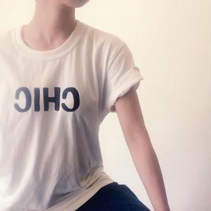 """オリジナルTシャツ、 """"CHIC"""""""
