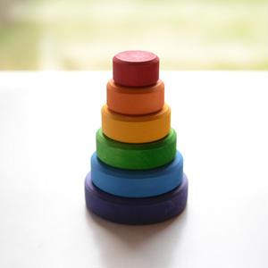 【1才〜】【色・大きさ・挿す】円錐積み木  小