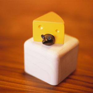 【4才〜】【聴く・指先・引っぱる】オルゴール チーズ