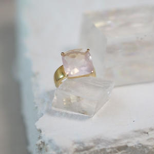 rose quartz square ring