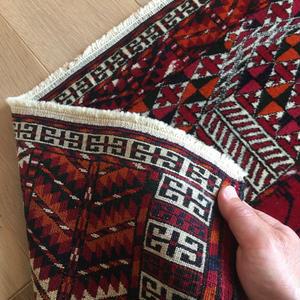【ラグ】手紡ぎ・草木染めしたオーガニックウールで手織りしたアンティーク絨毯