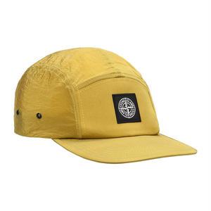 STONE ISLAND NYLON METAL 5 PANEL CAP OCHRE(YELLOW)