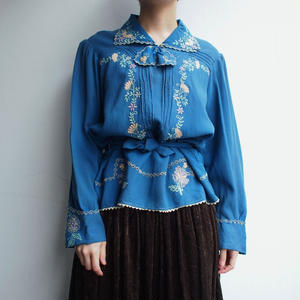 40's Blue  flower  embroidery  blouse
