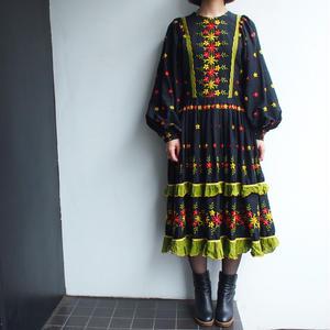 Big sleeve Embroidery dress