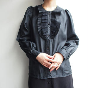 Frill collar black blouse