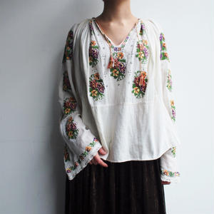 East europe 〜40's embroidery  blouse