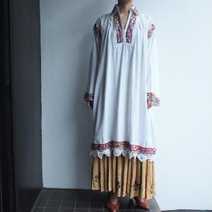 1970's Transylvania bordeaux Embroidery dress