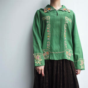 50's  East  europe  embroidery  blouse