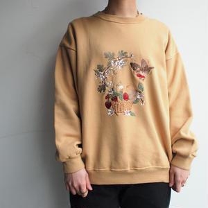 Embroidery beige sweat