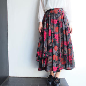 Black red flower print skirt