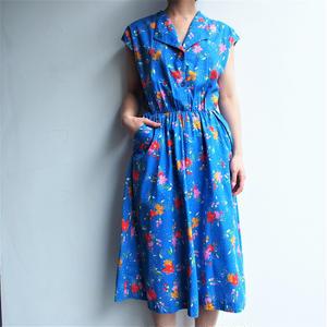 Open collar blue cotton dress