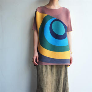 All pleats overlapping circles blouse