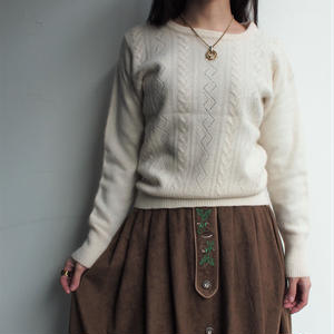 Angola white knit