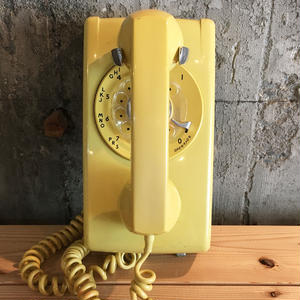 Shingo Wakagi | アメリカ製黒電話(壁掛け式イエロー)