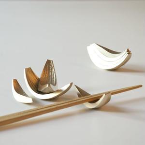cut piece  箸置きなタマネギ