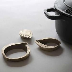 cut piece 鍋敷きなタマネギ