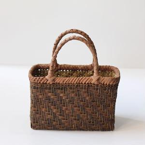 胡桃と山葡萄のかごバッグ  25cm幅 (クルミ/沢くるみ/籠)  オズのかごバッグ