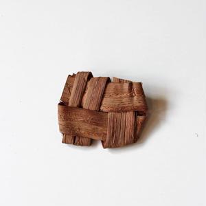 山葡萄の畳織りブローチ ハンドメイド  国産樹皮(岩手県)
