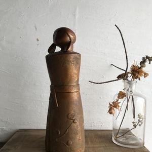 凛とした置物(銅のような陶器)28cm