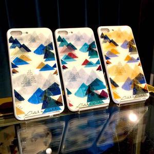 ★10日でお届け【山】(レ・モンターニュ)【全3色】iphone8 plus/ 7 plus 背面ガラスケース