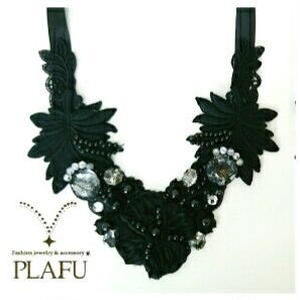 Ribbon necklace-Black flower- リーフC