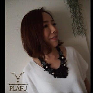 Ribbon necklace-Black flower- パールD