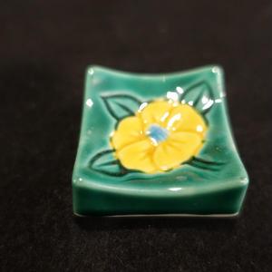 箸置き(角型椿緑)